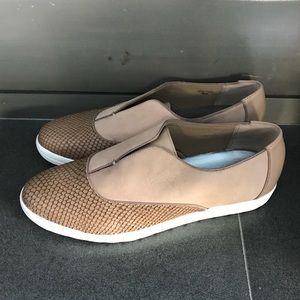 NIB Tahiti Slip on comfy shoes.